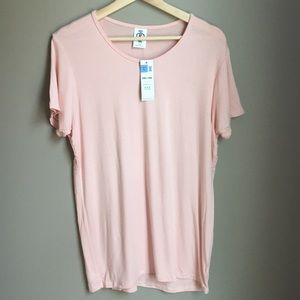Blush color basic tee NWT